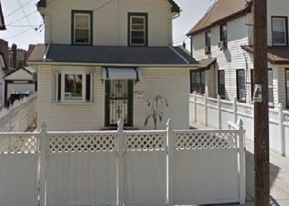 Foreclosed Home en 213TH ST, Queens Village, NY - 11428