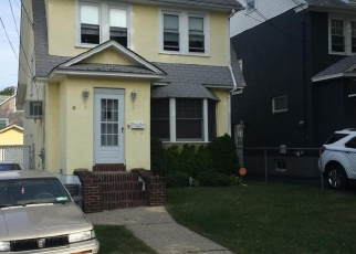 Foreclosed Home en NASSAU ST, Staten Island, NY - 10301