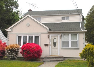 Foreclosed Home en BOOTH ST, Hempstead, NY - 11550