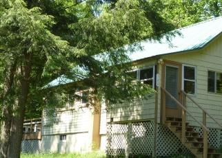 Foreclosed Home en GLENMORE RD, Eagle Bay, NY - 13331