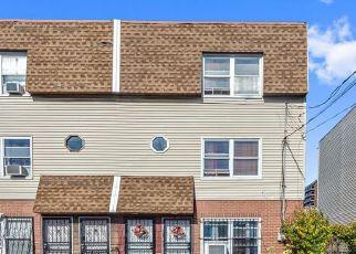 Foreclosed Home en CAESAR PL, Bronx, NY - 10473