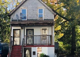 Foreclosed Home en SHARPE AVE, Staten Island, NY - 10302