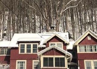 Foreclosed Home en BAKER ST, Saranac Lake, NY - 12983