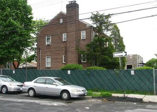 Foreclosed Home en PAULDING AVE, Bronx, NY - 10469