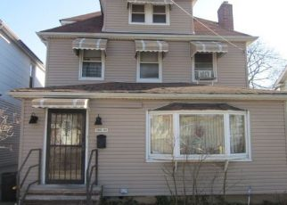 Foreclosed Home en 201ST ST, Hollis, NY - 11423