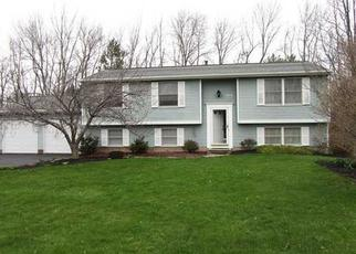Foreclosed Home en N CREEK XING, Rochester, NY - 14612