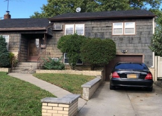Foreclosed Home en BROWN ST, Valley Stream, NY - 11580