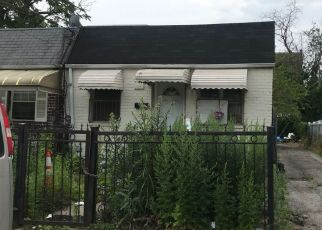 Foreclosed Home en WATSON PL, Jamaica, NY - 11433