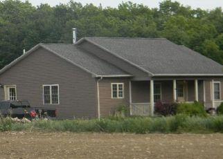 Foreclosed Home en ASBURY RD, Le Roy, NY - 14482