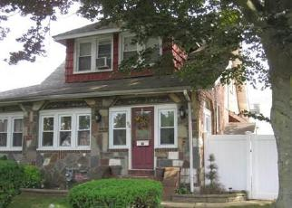 Foreclosed Home en LAWSON ST, Hempstead, NY - 11550