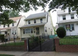 Foreclosed Home en 198TH ST, Saint Albans, NY - 11412