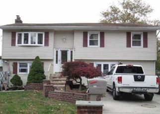Foreclosed Home in BRENTWOOD PKWY, Brentwood, NY - 11717