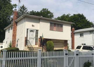 Foreclosed Home en DELISLE AVE, Roosevelt, NY - 11575