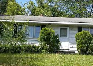 Foreclosed Home in ONEIDA AVE, Troy, NY - 12180