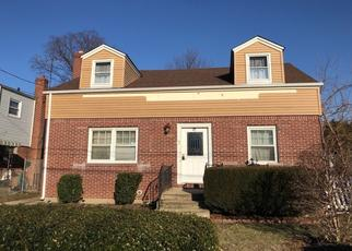 Foreclosed Home en MEADOWBROOK RD, Hempstead, NY - 11550
