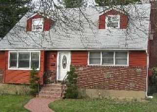 Foreclosed Home en MEYER AVE, Valley Stream, NY - 11580