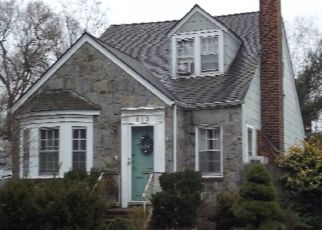Foreclosed Home in LENOX RD, Baldwin, NY - 11510