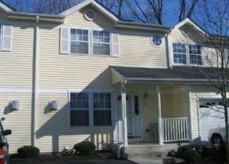 Foreclosed Home en LAKE RIDGE DR, Middletown, NY - 10940