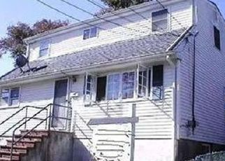 Foreclosed Home en LOUIS AVE, Elmont, NY - 11003
