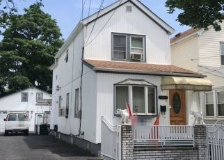 Foreclosed Home en 135TH PL, South Ozone Park, NY - 11420