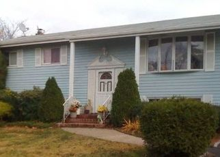 Foreclosed Home en BRIARWOOD RD, Wyandanch, NY - 11798