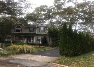 Foreclosed Home en PIEDMONT CT, Centereach, NY - 11720