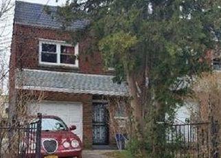 Foreclosed Home en E 216TH ST, Bronx, NY - 10469