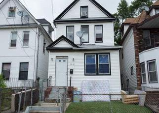 Foreclosed Home en 164TH ST, Jamaica, NY - 11433