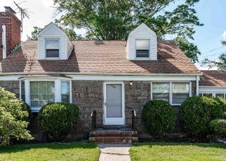 Foreclosed Home en MONROE ST, West Hempstead, NY - 11552