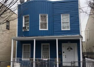 Foreclosed Home en HERSCHELL ST, Bronx, NY - 10461