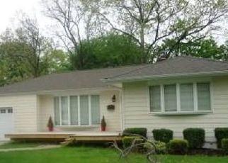 Foreclosed Home en SHADE ST, North Babylon, NY - 11703