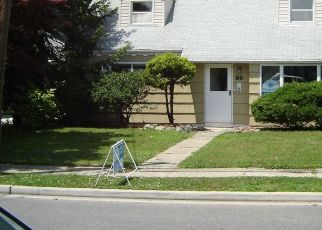 Foreclosed Home in OCEANVIEW AVE, Valley Stream, NY - 11581