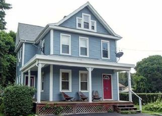 Foreclosed Home en 2ND AVE, Kingston, NY - 12401