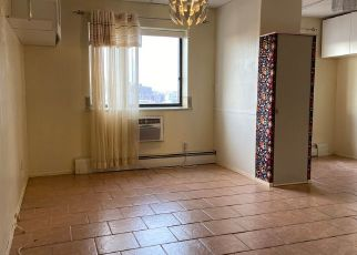 Foreclosed Home en 108TH ST, Corona, NY - 11368
