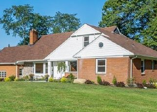 Foreclosed Home in TOPLAND RD, Hartsdale, NY - 10530