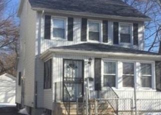 Foreclosed Home en 194TH ST, Saint Albans, NY - 11412