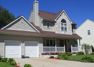 Foreclosed Home en 1ST PL, Central Islip, NY - 11722