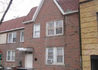 Foreclosed Home en 35TH AVE, Astoria, NY - 11106