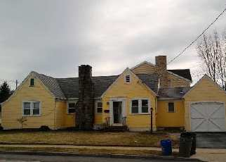 Foreclosed Home in JOHNSON PL, Freeport, NY - 11520