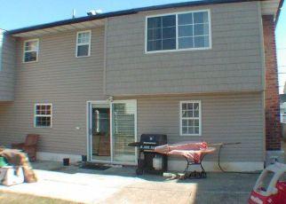 Casa en ejecución hipotecaria in Valley Stream, NY, 11580,  EDWARDS BLVD ID: P1256217