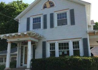 Foreclosed Home en PROSPECT AVE, Medina, NY - 14103
