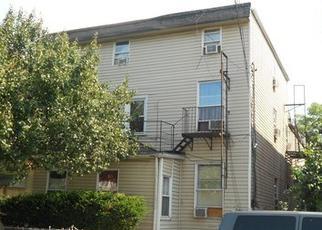 Foreclosed Home en 43RD AVE, Elmhurst, NY - 11373