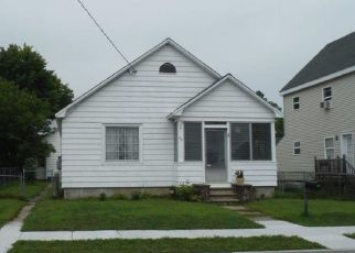 Foreclosed Home en OAK ST, Corinth, NY - 12822