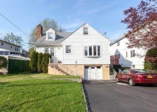 Casa en ejecución hipotecaria in West Harrison, NY, 10604,  WASHINGTON ST ID: P1258926