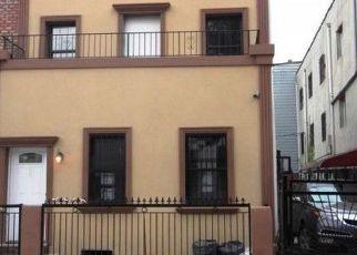 Foreclosed Home en EVERGREEN AVE, Brooklyn, NY - 11221