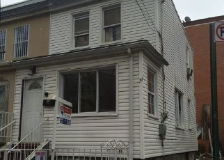 Foreclosed Home en 109TH ST, Corona, NY - 11368