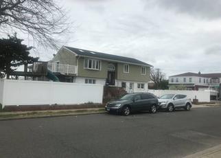 Foreclosed Home en REINA RD, Oceanside, NY - 11572