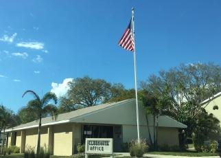 Foreclosed Home en N OAK DR, Tampa, FL - 33611