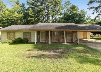 Foreclosed Home in NAKOMA DR, Jackson, MS - 39206