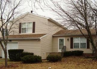 Foreclosed Home in BRIGHTON CIR, Aurora, IL - 60506